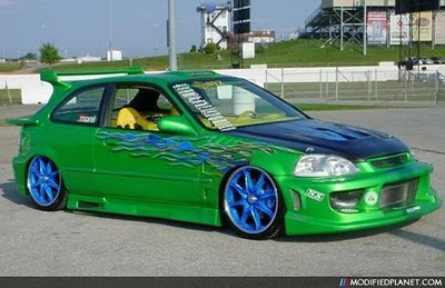 Airbrush Modified on Honda Civic Hatch Ricer