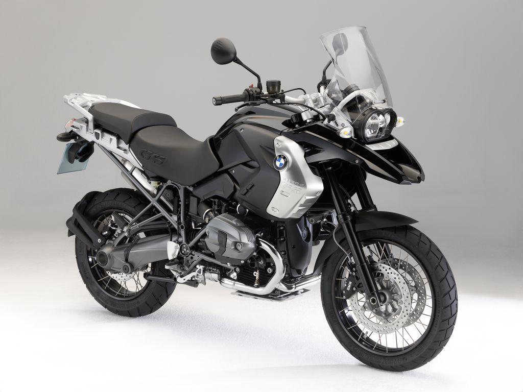 http://1.bp.blogspot.com/-zwJzBKoILcU/TeJ4rVX8HnI/AAAAAAAAASE/a8O1aKKLgB8/s1600/2011-BMW-R1200GS-Triple-Black-Sports-Touring-Bike.jpg