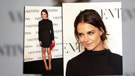 Katie Holmes porte une petite robe noire pour une soirée Valentino