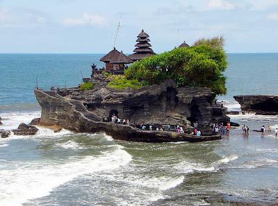 Objek Wisata Pura Tanah Lot, Tabanan Bali 2