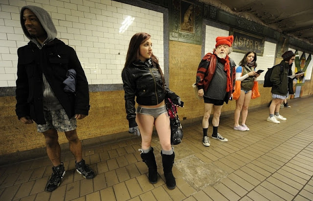 Pix Grove No Pants Subway Ride In Nyc