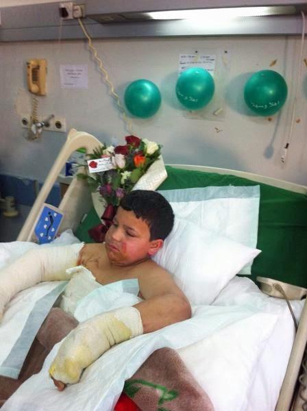 طفل بالقريات يعرّض حياته للخطر وينقذ شقيقاته من حريق بمنزلهم