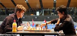 Echecs ronde 5 : Magnus Carlsen (2837) 1/2 Anish Giri (2696) © site officiel