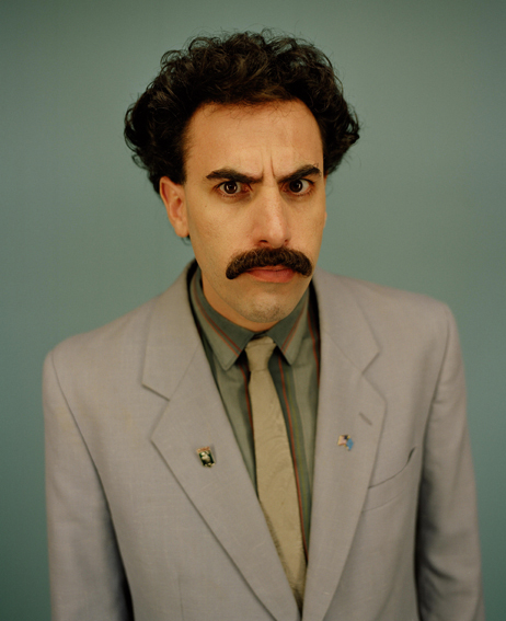 Photo de Borat, un personnage de fiction interprété par l'humoriste britannique Sacha Baron Cohen.