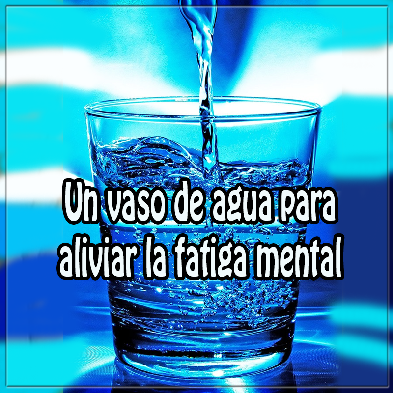 Salud y bienestar en cuerpo y mente, un vaso agua aliviar fatiga mental,  cuerpo, mente , salud