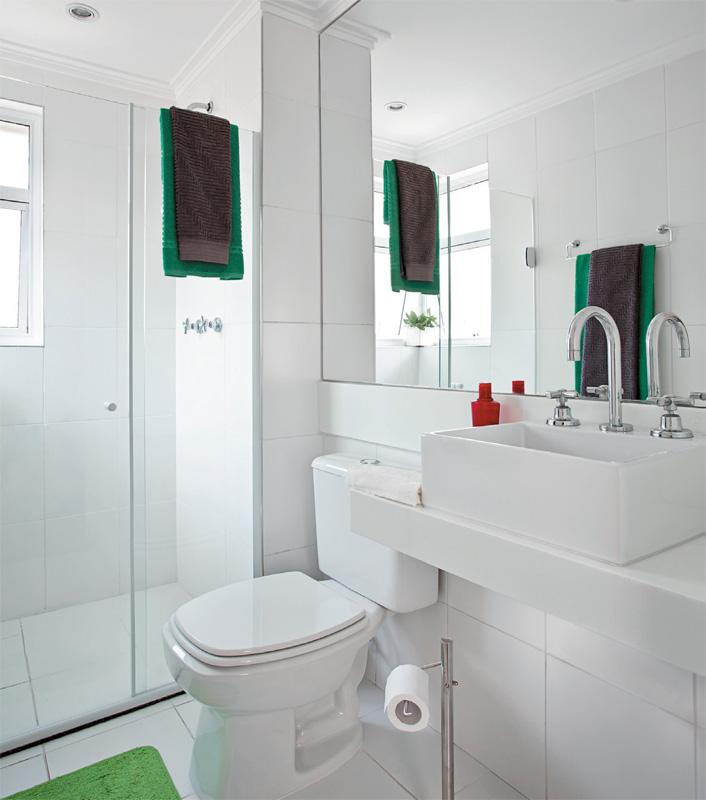 GRUPO MULT CORRETORA Julho 2012 -> Banheiro Pequeno Todo Branco