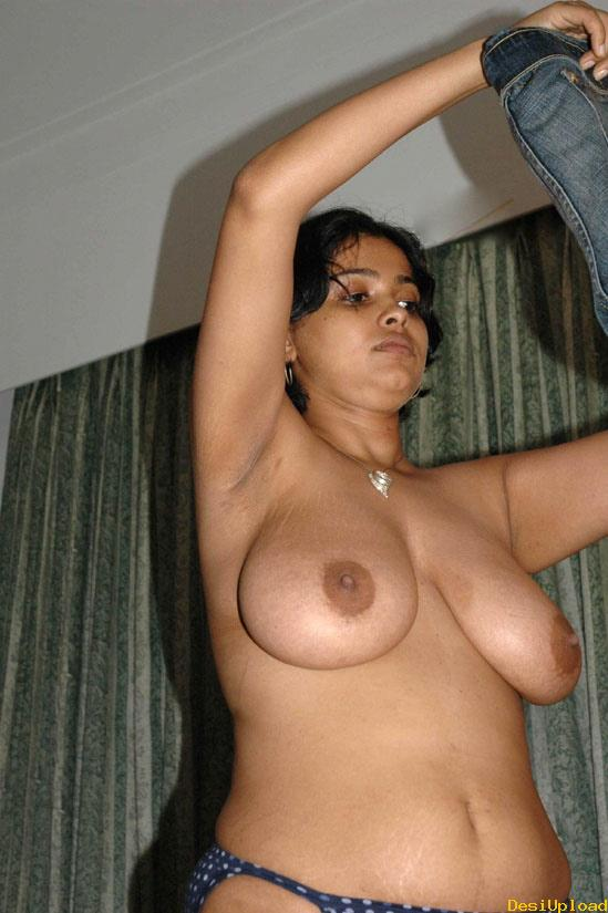 image Indian maid dress change watched from key hole