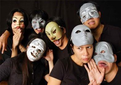 http://anavaldes-lim.com/2012/10/30/mask-work/