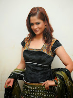 Shilpa chakravarthy photos at Her recent event-cover-photo