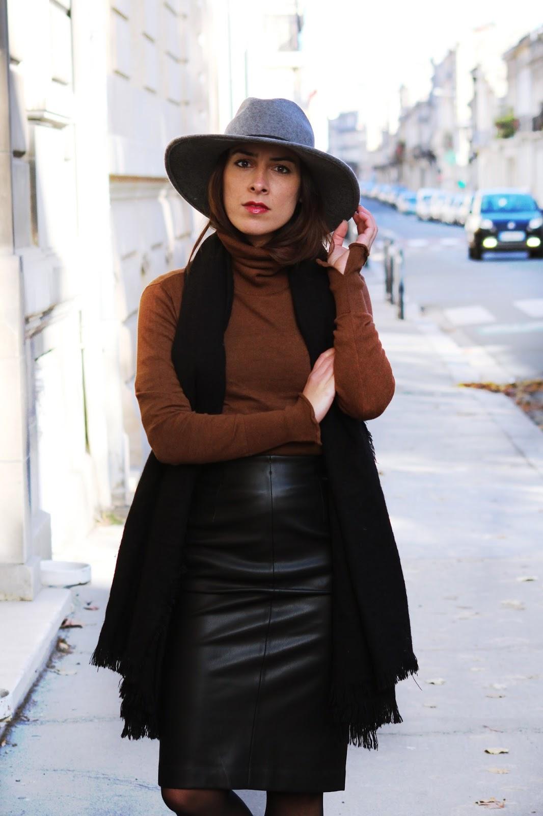 L 39 article chocolat simili cuir le dressing paillettes - Qu est ce que le simili cuir ...