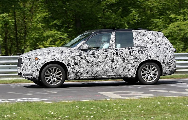 Side picture of new BMW X5