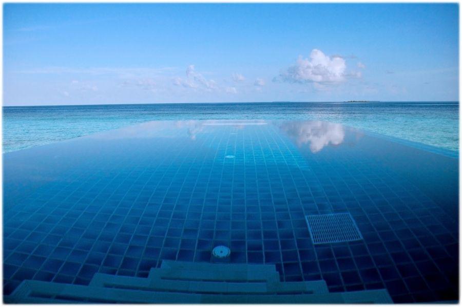 19. Velavaru - Maldives by Zihang Yin