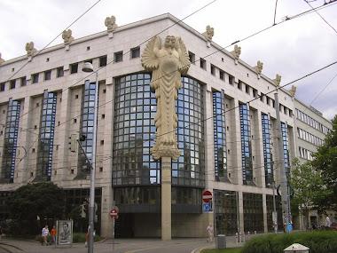 Teknik Üniversite kütüphanesi