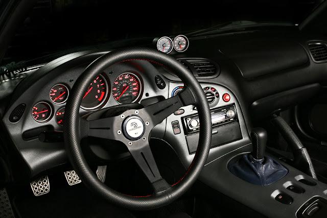 Mazda RX-7, FD, Wankel, rotary, twin turbo, zdjęcia, sportowy, samochód, japoński, wnętrze