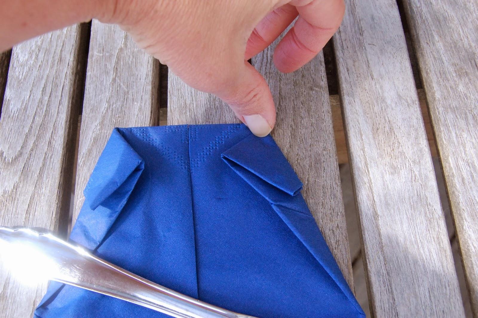 serviettbretting skjorte med slips