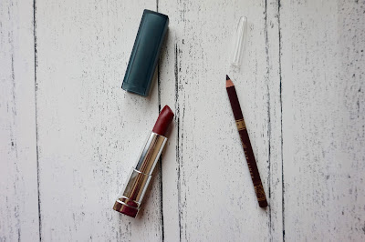 Barry M lip Liner Wine 7 review, beauty, hannah rose, hanrosewilliams, Maybelline Colour Sensational Matte Divine Wine 975 review, wine lip, wine lip combination,