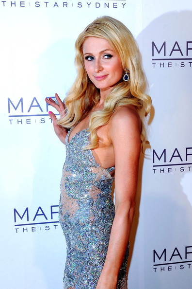 paris hilton sizzling event shoot hot images