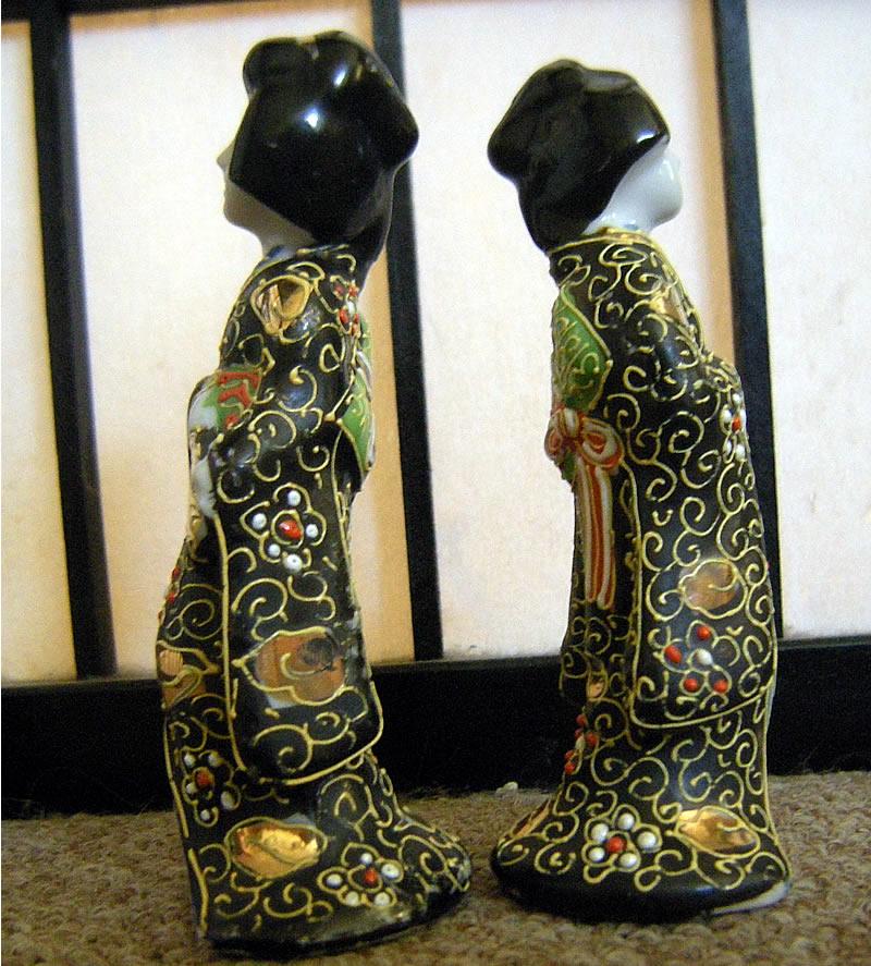 TT Hand Paint Made in Japan Takito Satsuma Style Moriage Geisha Figurines