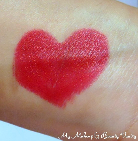 MAC Marilyn Monroe Collection Charmed I'm Sure Lipstick Review, Swatches+Marilyn Monroe Collection lipstick swatches+lipstick review and swatches+red lipstick