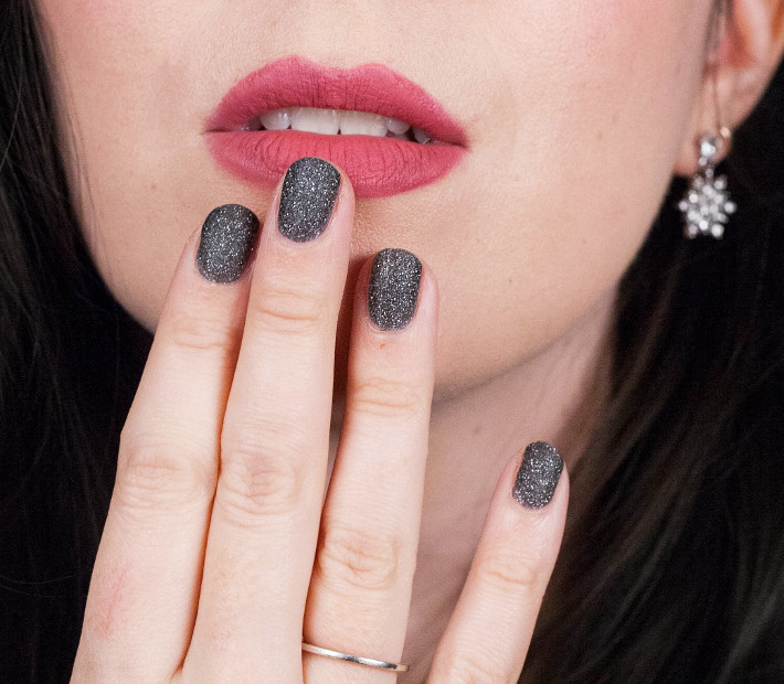 L'Oreal Color Riche Black Diamond nailpolish, Bourjois Rouge Edition Velvet in Beau Brun