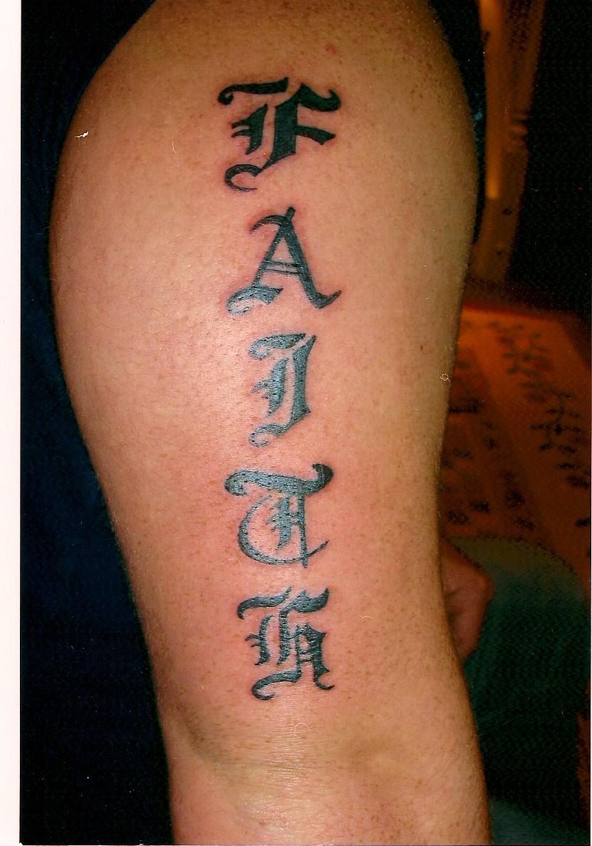 Letras tattoo Tattoo in PixMINE