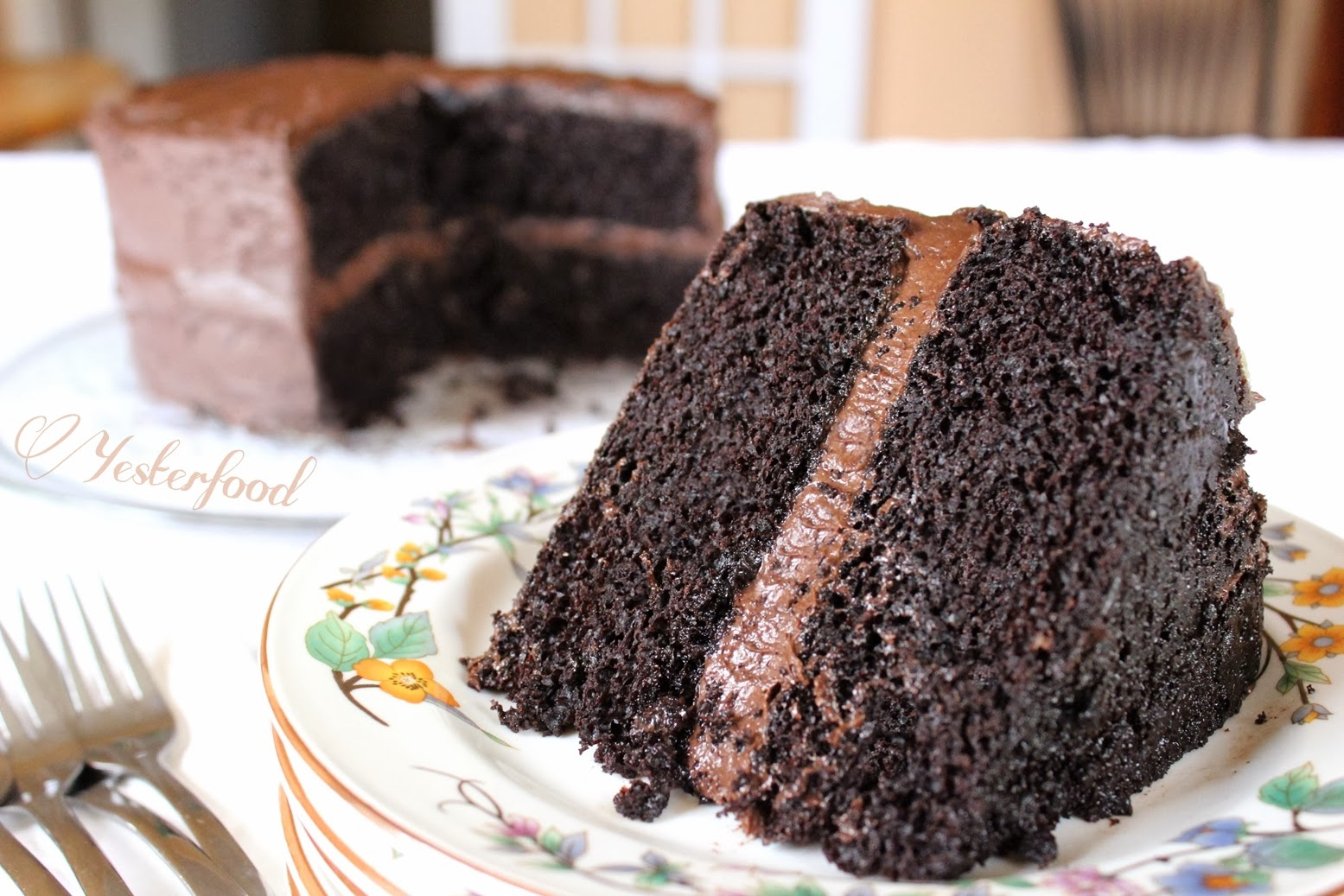 Yesterfood : Rich Chocolate Layer Cake