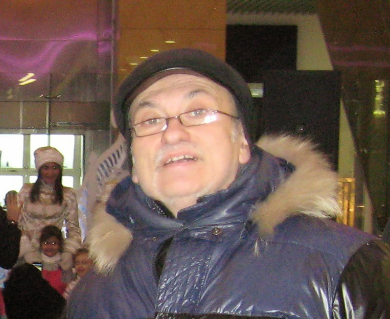 Русские девчонки обоссали и побили мужика на стройке онлайн