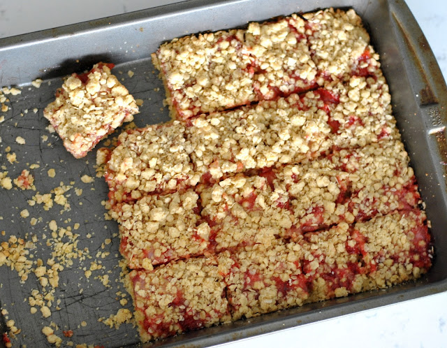 Strawberry Oat Bars