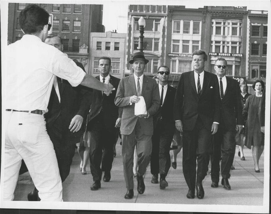 SA Paul Burns, SA Ron Pontius, Dave Powers, SA Richard Johsen, JFK, ASAIC Floyd Boring Oct 1963