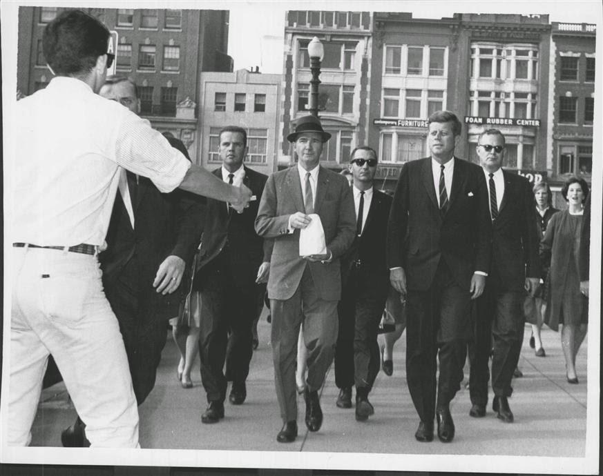 SA Paul Burns, SA Ron Pontius, Dave Powers, SA Richard Johsen, JFK, ASAIC Floyd Boring Oct 1963