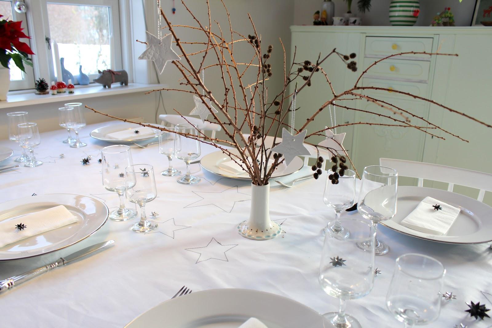 hvide blomster til bordpynt