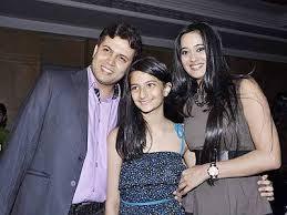 Biodata Shweta Tiwari Pemeran Maha Bhasm Pari