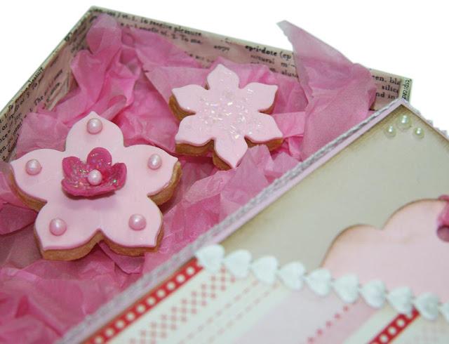 Dekorerade kakor som glittrar