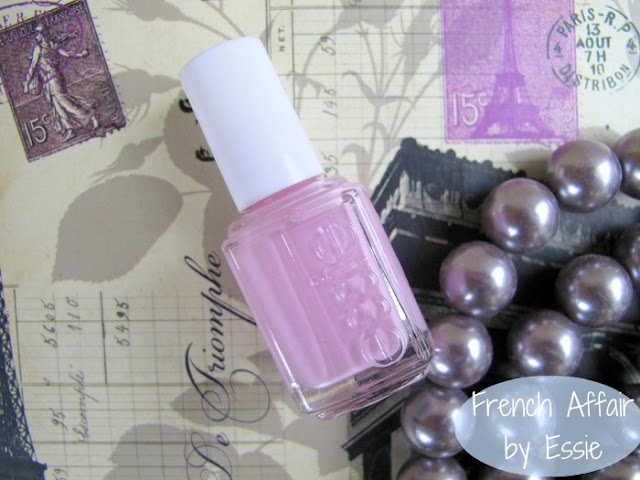 Essie French Affair nailpolish