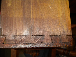 antique dovetail drawers. is so, look closer \u2014 if the dovetail a tight \ antique drawers