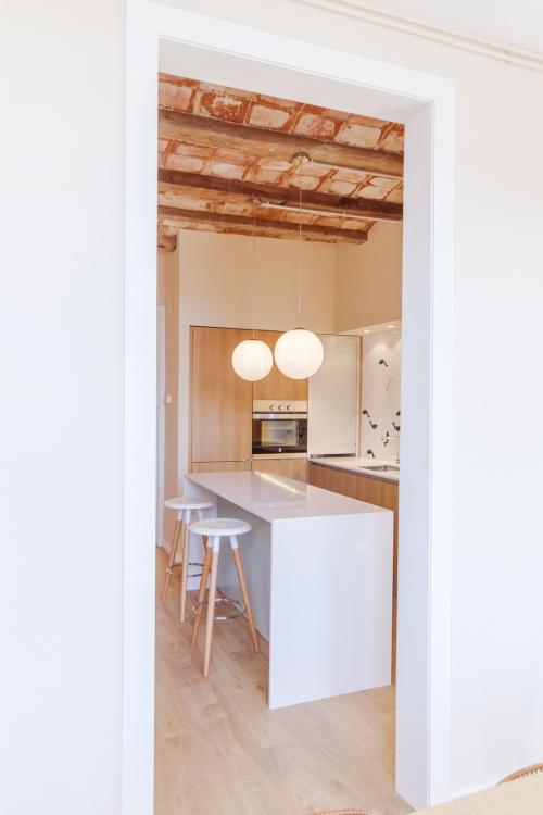 Dise o interior en piso de barcelona ilia estudio - Pisos de diseno en barcelona ...