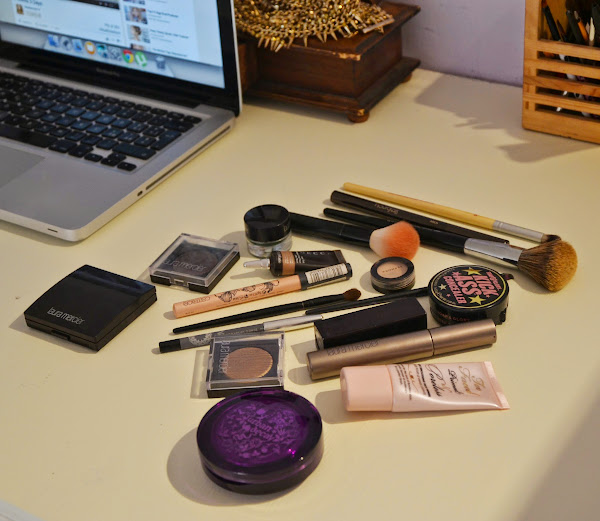 This is NOT a FOTD: Laura Mercier Sensual Reflections