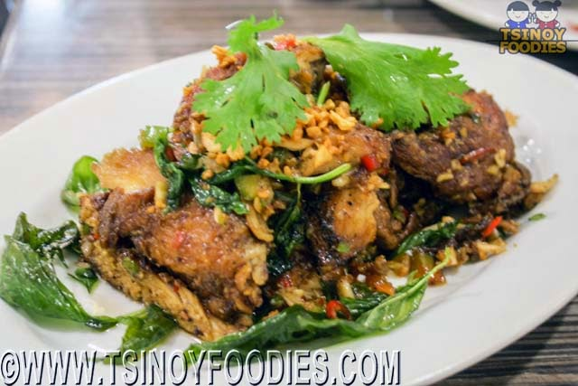 stir fried spicy chicken basil leaves