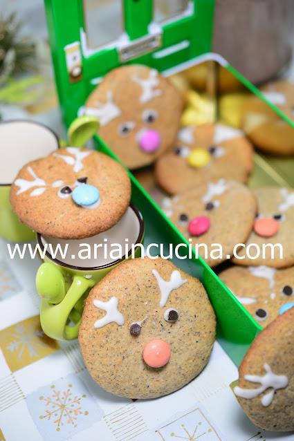 Blog di cucina di Aria: Biscotti Renna al Grano Saraceno e Farro