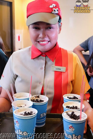 jollibee reeses mix ins and cookies and cream shake
