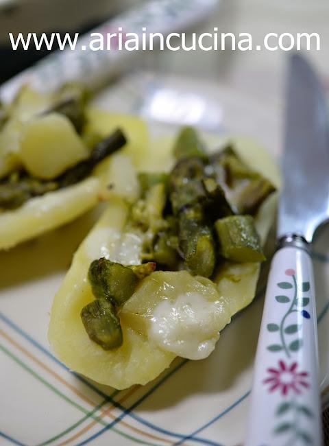 Blog di cucina di Aria: Barchette di patate con asparagi e toma piemontese