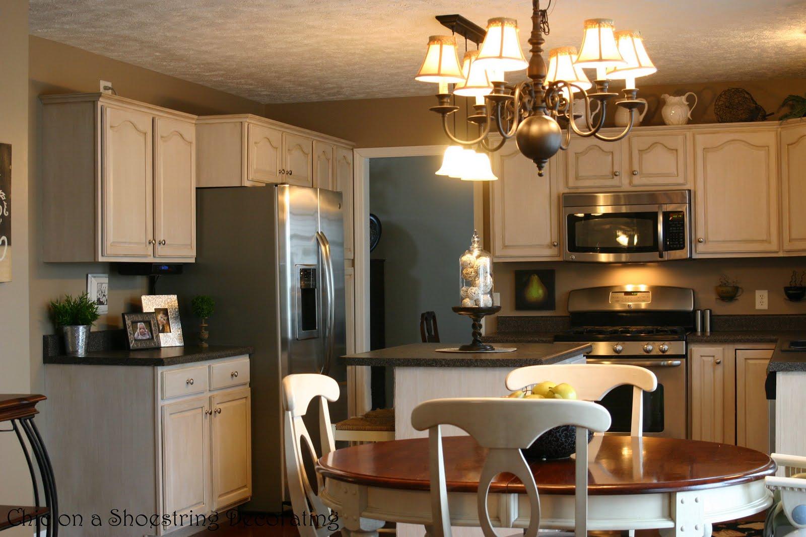 http://1.bp.blogspot.com/_-0MyyvJ03Gw/S4r-WzLnuSI/AAAAAAAAAMM/lgXHOdtXqfQ/s1600/kitchen2.jpg