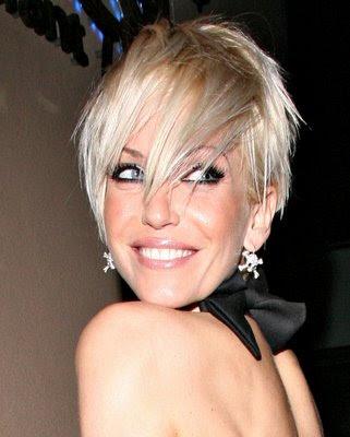 Naomi Watts Hairstyles