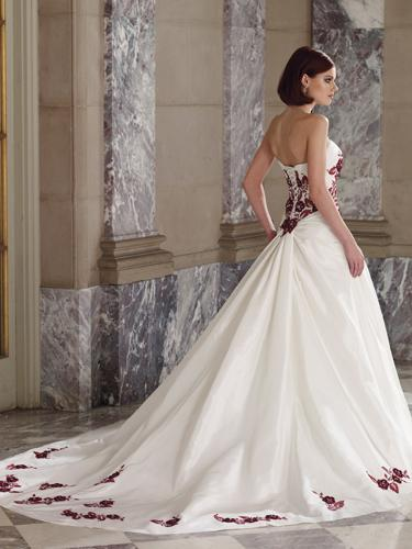 The Trend Wedding Dresses Ribbon Flowers Strapless Wedding Dresses