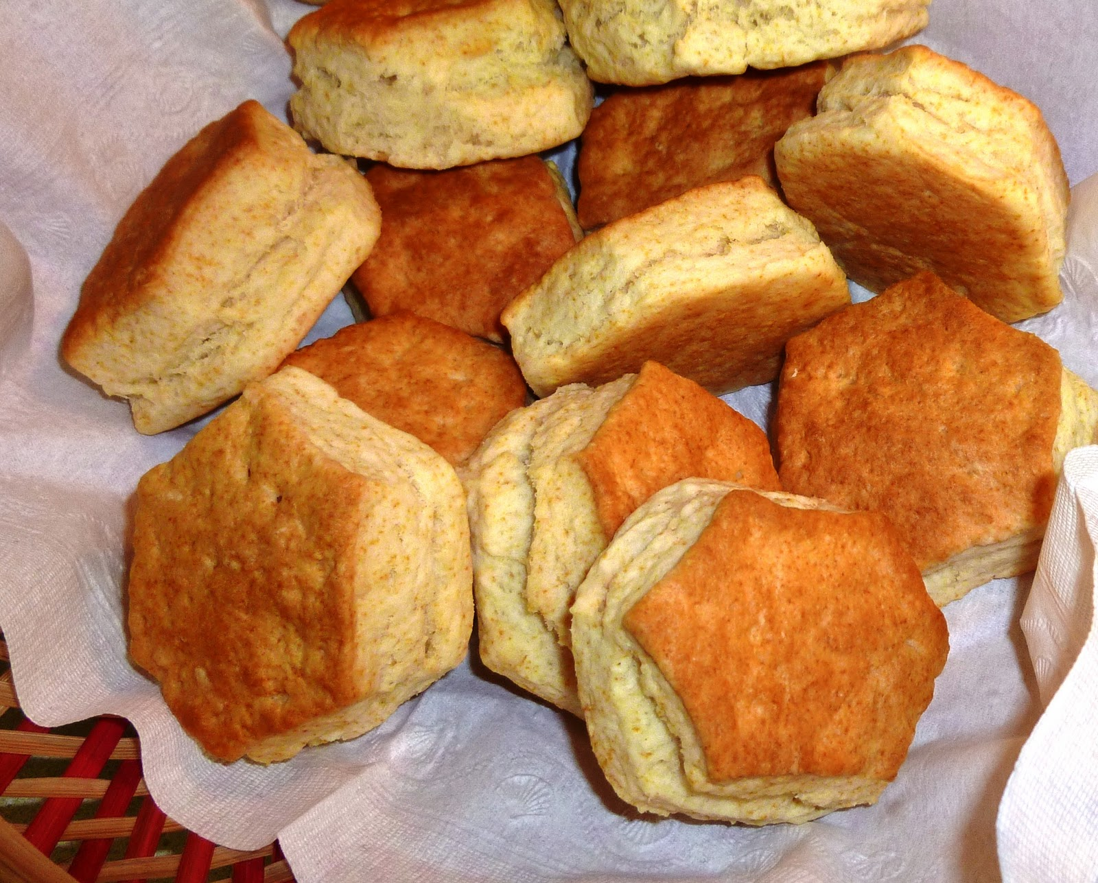 The Iowa Housewife: Never Fail Baking Powder Biscuits