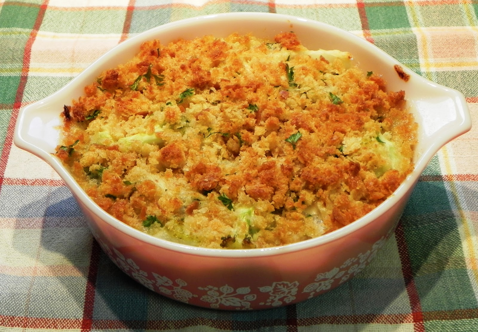 The Iowa Housewife: Broccoli and Onions Au Gratin
