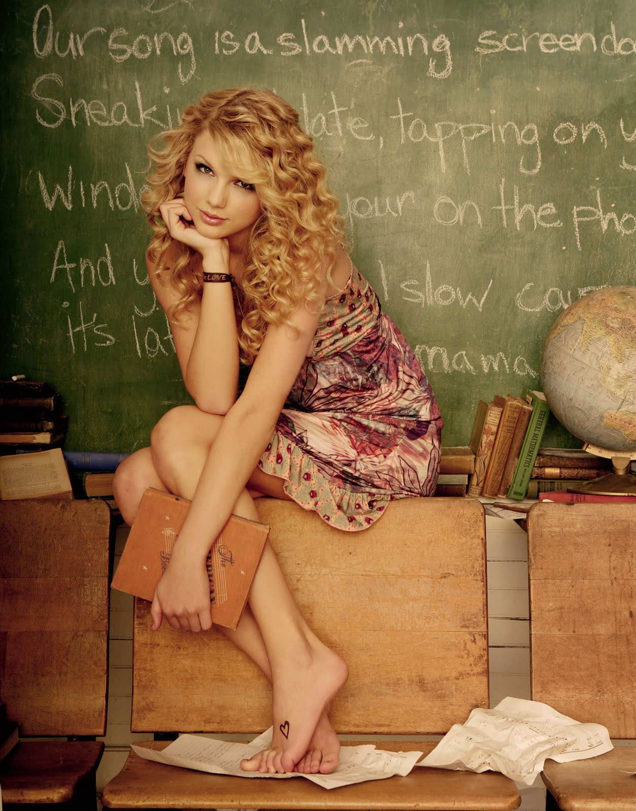 http://1.bp.blogspot.com/_-1GM7VDiWKE/TBBGRg1Q2vI/AAAAAAAACu0/LP3au3QIuNA/s1600/Cute+Taylor+Swift+Teaching+A+Class.jpg