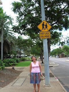 Cartel refugio huracanes, tornados, Darwin, Australia, vuelta al mundo, round the world, La vuelta al mundo de Asun y Ricardo