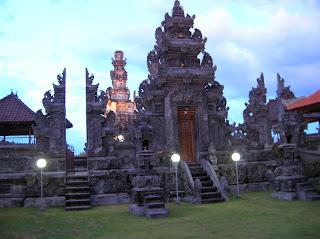 Templo hindú, Buta, Bali, Indonesia, vuelta al mundo, round the world, La vuelta al mundo de Asun y Ricardo