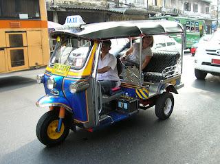 Tuk-tuk, Bangkok, Tailandia, Tahilandia, vuelta al mundo, round the world, La vuelta al mundo de Asun y Ricardo